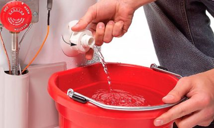 How to drain water from a water heater