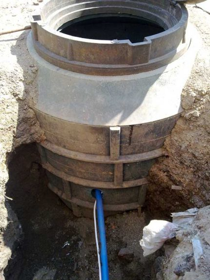 Backfill pit with a well