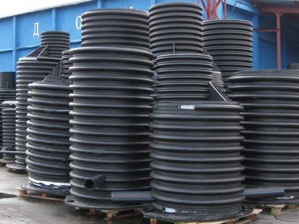 Monolithic tanks