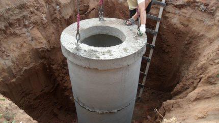 Kasimo duobė betoninio šulinio įrengimui