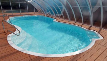 Sophisticated pool configuration