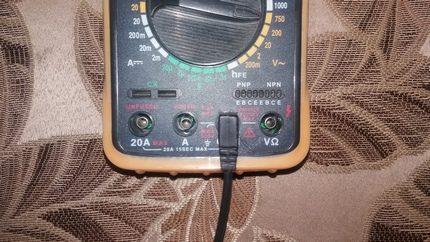 Black probe in COM connector