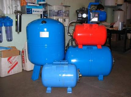 Different types of membrane tanks