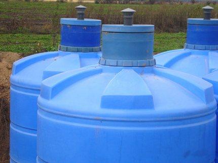 Durability of plastic tanks