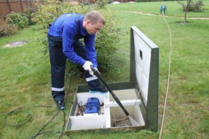 Flushing septic tank Topas
