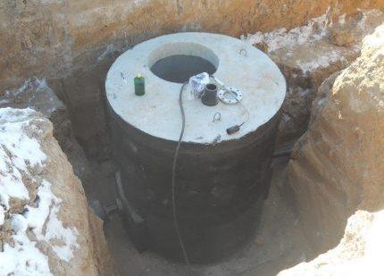 Cesspool waterproofing