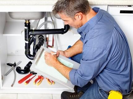 Installation d'un compteur d'eau par un maître licencié