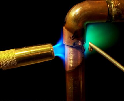 Brazing copper pipes