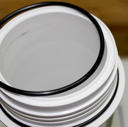 Le filtre pour la purification de l'eau de fabrication étrangère