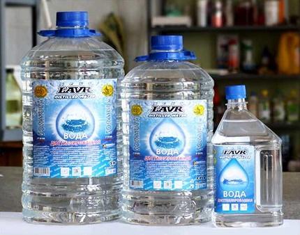 Destilēts ūdens - sildošs vidējs dzesēšanas šķidrums