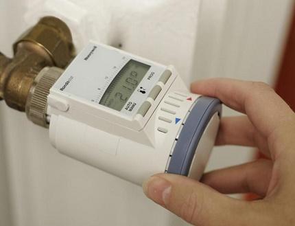 Bateriju temperatūras regulatoru elektroniskais tips