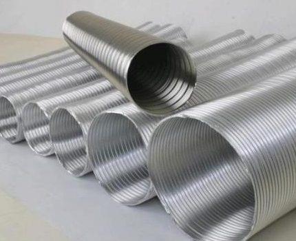 Tuyau flexible pour la ventilation