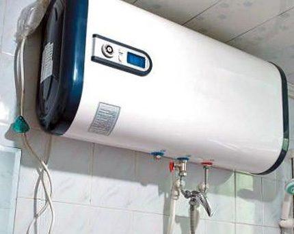 Vertical storage water heaters