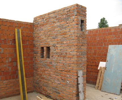 Disposition du conduit de ventilation dans le mur