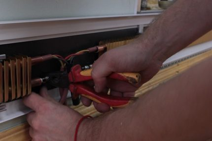 Installation of an electric plinth
