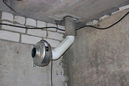 Piespiedu ventilācijas piemērs