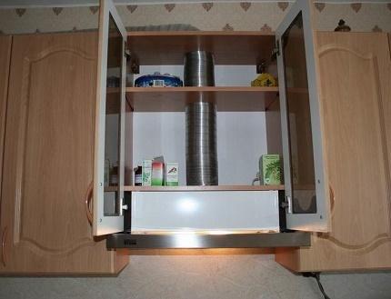 Conduit intégré pour hottes de cuisine