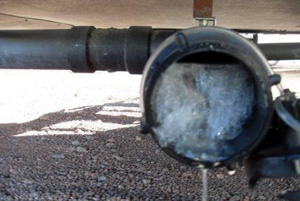 Freezing sewer pipe