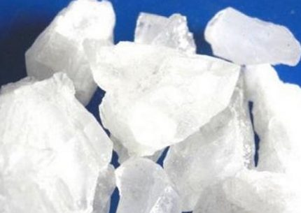 Ammonium salt crystals