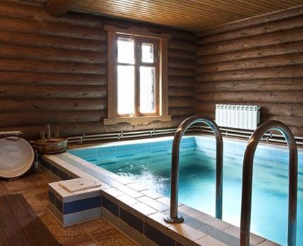Ventilation dans un bain public avec piscine