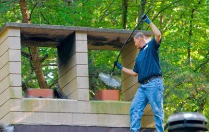 Entretien de cheminée en céramique