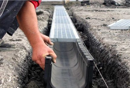 The rate of calculation of the slope of the sewer trays