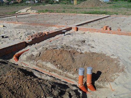 Installation of outdoor sewage