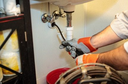 Mechanical pipe cleaning
