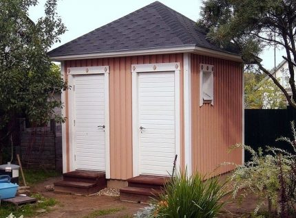 Siding sheathed building with sewer