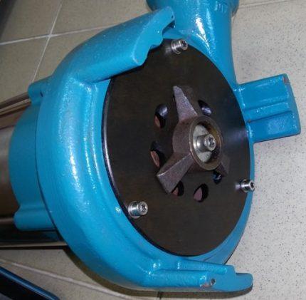 Gear cutting device