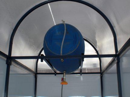 Roof shower tank