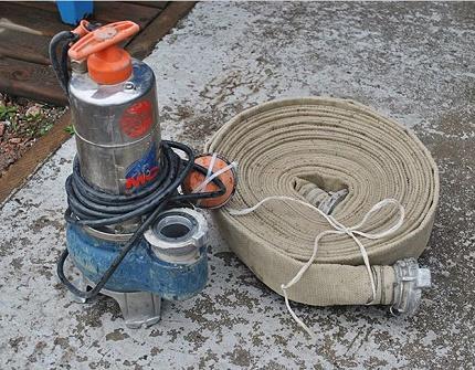 Fecal pump with grinder