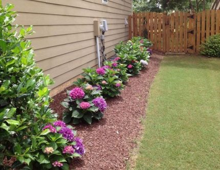 Flowerbed over drainage system