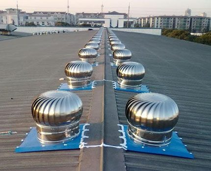 Ventilation duct for large rooms