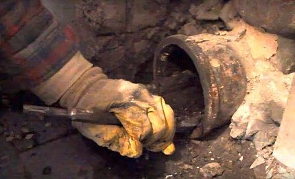 Sediment removal in an old sewer pipe