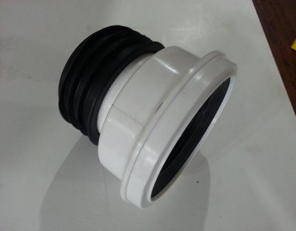 Cuff for connection to the sewerage