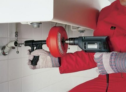 Electric sewer cleaning
