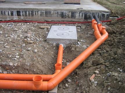 Grindinio kanalizacijos variantas