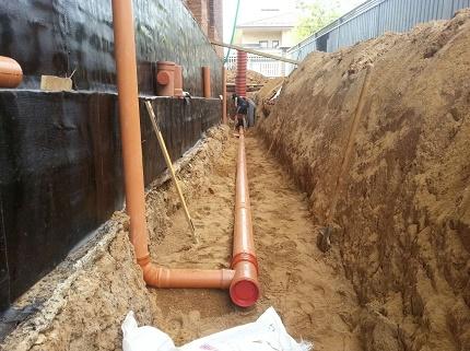 Closed drainage construction
