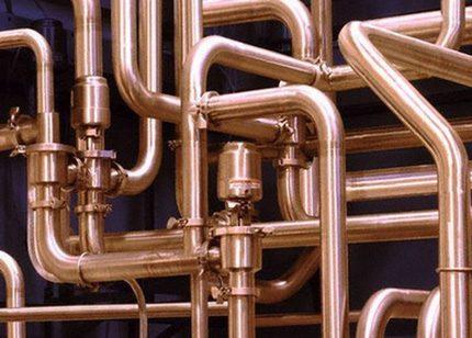 Tuyaux en cuivre pour l'installation d'alimentation en eau
