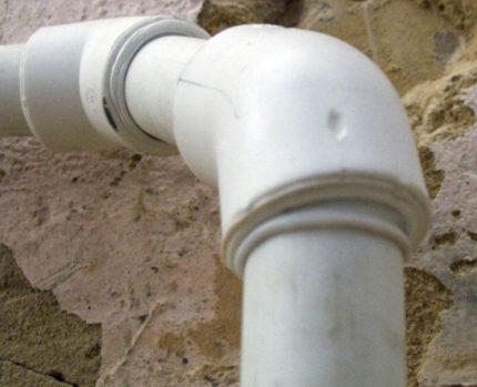 Ajustement lâche du tuyau en plastique lors du soudage