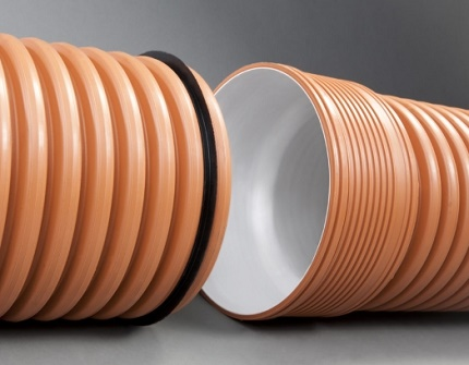 Corrugated pipes with a bell