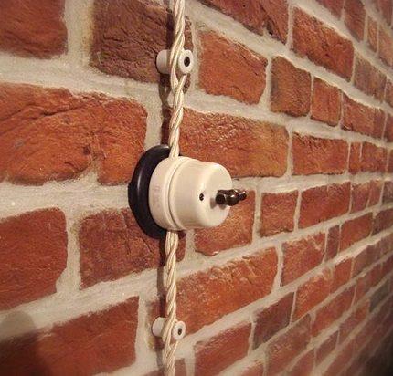 Câblage d'isolateur en céramique