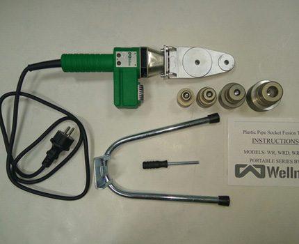 Préparation du fer pour le soudage des tuyaux en polypropylène