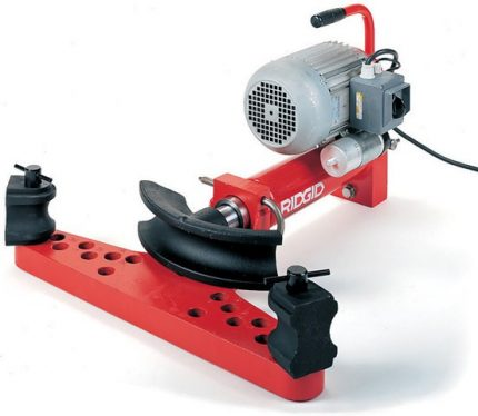 Electrohydraulic pipe bender