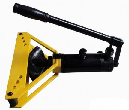 Hand tools for bending pipes TG-1