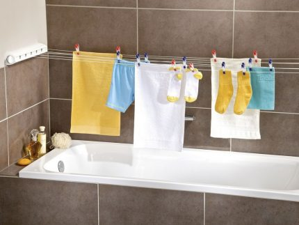 Drying laundry in the bathroom