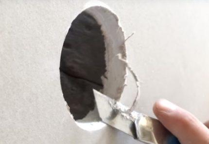 Faire un trou avec un couteau