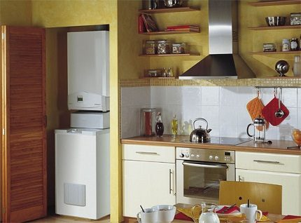 Compact heating electric boiler