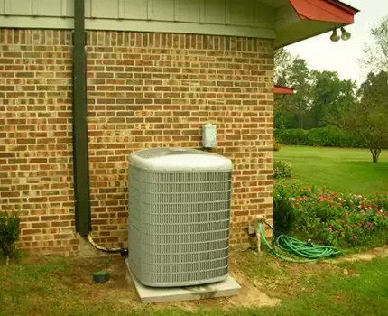 Air-to-water heat pump in the yard